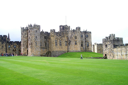 Alnwick Castle :: The second largest inherited castle in England. Photo by Verity Cridland - Flickr.com